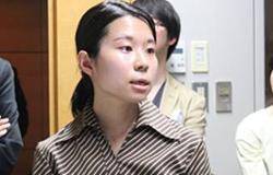 ▲ポートフォリオを発表する石川美緒医師