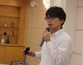 ▲コミュニケーションの大切さを話す竹田講師