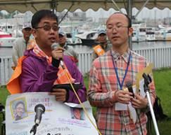 ▲フィリピンから参加したマギティング・ファブロス氏(左)
